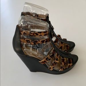Cynthia Vincent Leopard Wedges